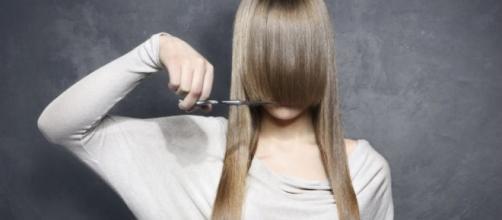 Economize dinheiro cortando seus cabelos em casa