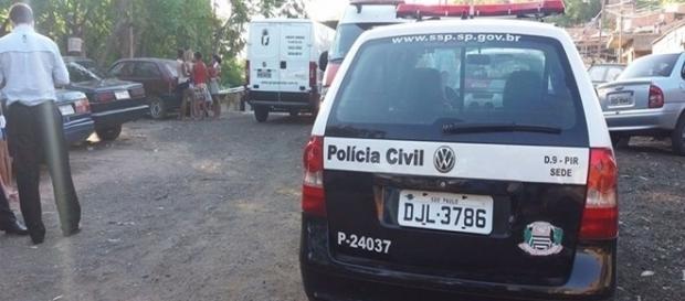 A polícia foi até o local do cativeiro para investigar o crime de sequestro