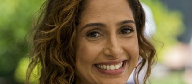 Camila Pitanga postou fotografias onde aparece sorrindo