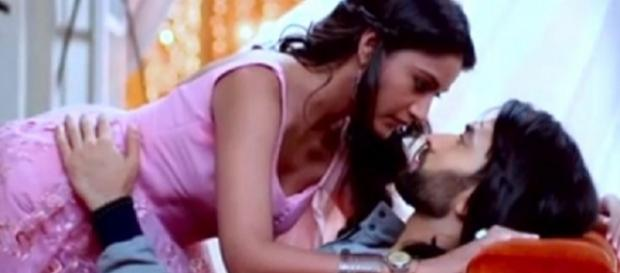 Surbhi Chandna with Shivaye in Ishqbaaz (Youtube screengrab)