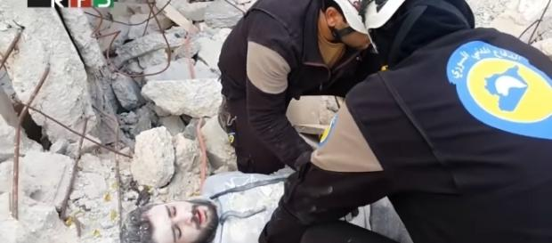 White helmets mannequin challenge / Photo via RSF media