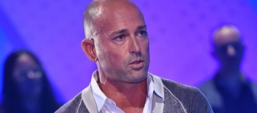 Grande Fratello Vip: Stefano Bettarini in lacrime