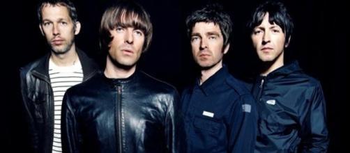 La banda se separó en el 2009 por problemas entre los hermanos Gallagher
