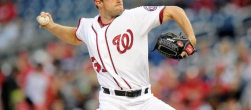 Max Scherzer strikes out 20 hitters, ties MLB record | SI.com - si.com