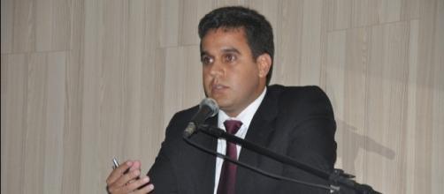 """Rafael Diniz: """"O futuro prefeito de Campos é da oposição"""" « Opiniões - com.br"""