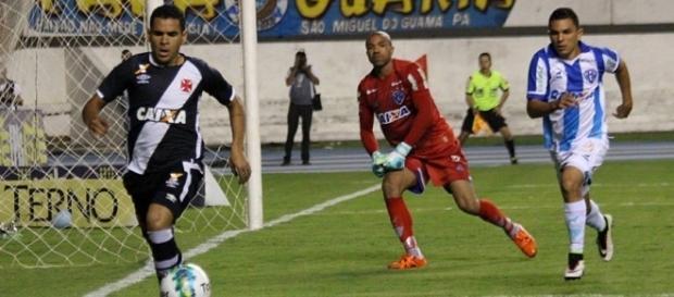 A derrota para o Paysandu foi a segunda seguida do Vasco, que perdeu a liderança da Série B (Crédito: Paulo Fernandes/Vasco.com.br)