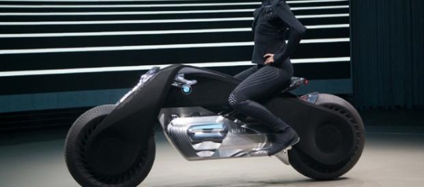BMW presents its self-balancing motorcycle of the future - Georgia ... - georgianewsday.com