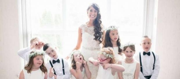 Kinsey French, il giorno del matrimonio insieme ai suoi alunni