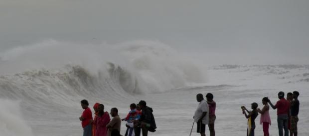 """Life-Threatening"""" Hurricane Matthew Makes Landfall In Haiti ... - buzzfeed.com"""