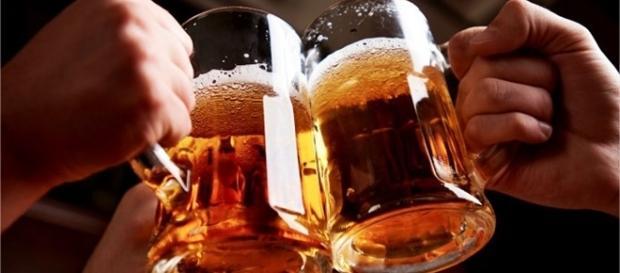 Tomar cerveja faz bem para a saúde.
