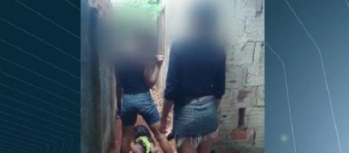 As agressoras chegaram a abrir uma cova para enterrar a vítima