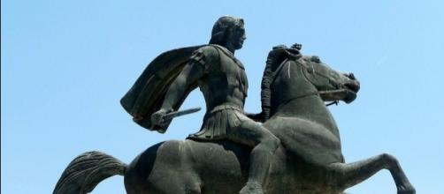 Estatua de Alejandro Magno a caballo
