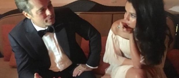La foto incriminata che ritrae Brad Pitt e Selena Gomez
