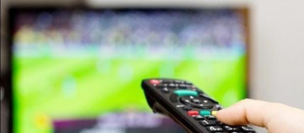 Programmi tv, stasera mercoledì 5 ottobre 2016 su Rai e Mediaset.