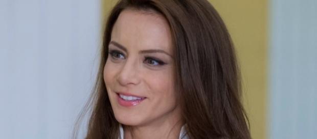 Silvia Navarro estaria tendo problemas com seu marido.