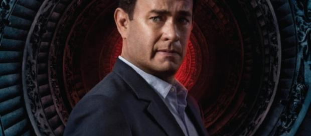 Tom Hanks nel Poster di Angeli E Demoni