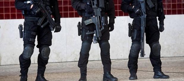 """Unidade de Intervenção da GNR : """"Compus Sui"""""""