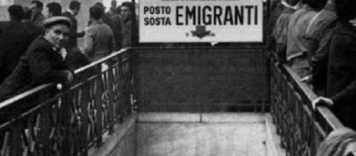Foto 1 - Lasciare l'Italia: chi sono i nuovi migranti - lettera43.it