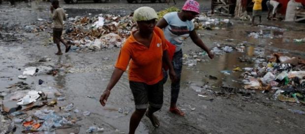Após deixar 9 mortos no Mar do Caribe, furacão Matthew se dirige ... - rfi.fr