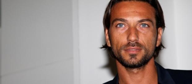 """Costantino Vitagliano ha attaccato Stefano Bettarini, giudicato l'artefice del complotto che lo ha eliminato dal """"Grande Fratello Vip"""""""