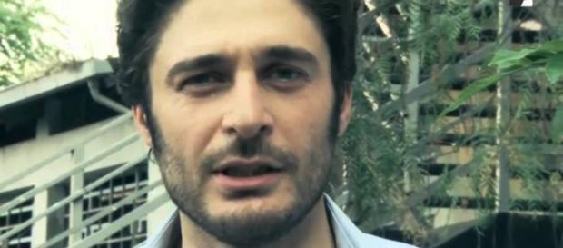 Lino Guanciale ha doppiato Richard Madden ne 'I Medici' - youtube.com