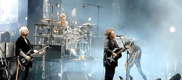 The Cure en concert à Helsinki, le 7 octobre 2016 - Capture vidéo youtube