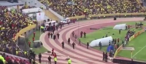 Enner Valencia fugiu da polícia no carrinho da maca e depois na ambulância