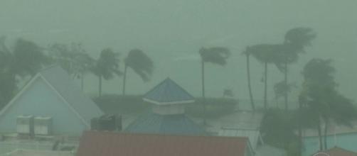 Jornal Nacional - Passagem do furacão Matthew no Caribe deixa 265 ... - globo.com