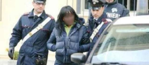 BADANTĂ româncă ACUZATĂ de complicitate după un JAF în apartamentul în care lucra (Foto: arhivă)