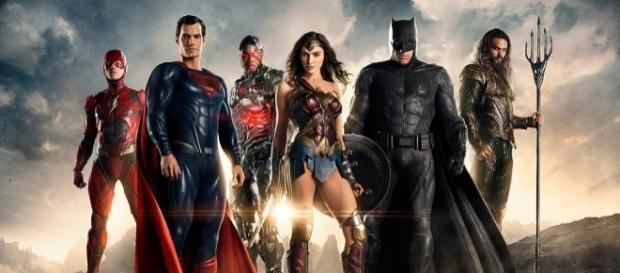 """Grandes super-heróis da DC Comics estarão reunidos em """"Liga da Justiça""""."""