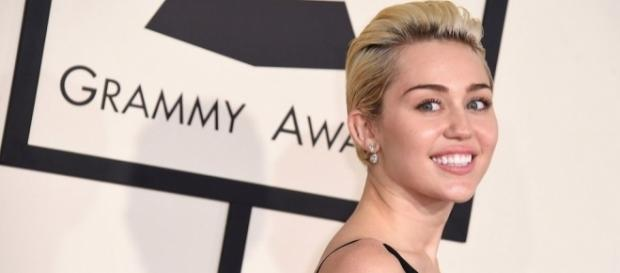 Miley is now pansexual - mashable.com