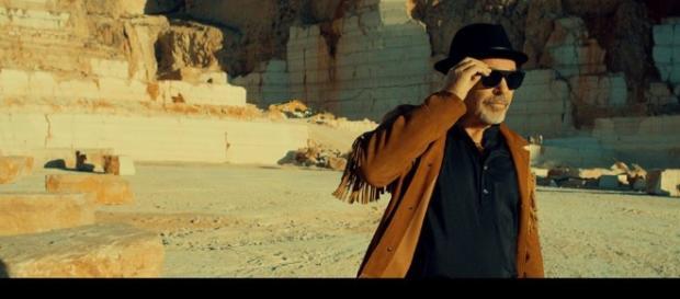 """Vasco Rossi: """" Un mondo migliore"""" è il nuovo singolo fuori in ... - fullsong.it"""