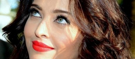 Aishwarya titled as Outstanding Woman Celebrity (Image source: en.wikipedia.org)