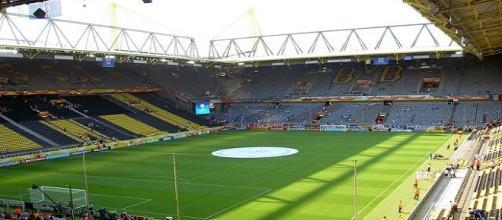 Estádio do Borussia Dortmund, modelo preferido pelos torcedores do Fluminense para o novo campo (Foto: Globoesporte)