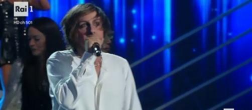 Leonardo Fiaschi ha vinto la quarta puntata di Tale e Quale Show 2016.