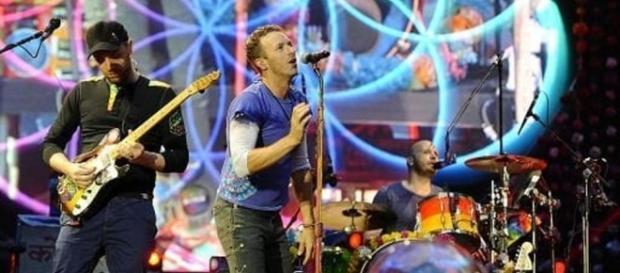 Coldplay, biglietti truffa per un ipotetico concerto a Milano - today.it