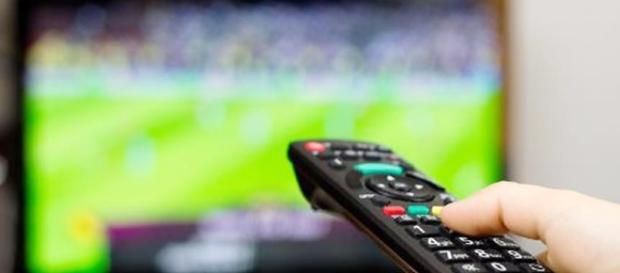 Guida Tv stasera 9 ottobre 2016: Macedonia-Italia su Rai 1?