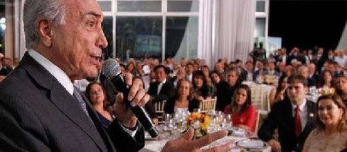 Jantar para falar falar de PEC de gastos gastou mais de R$ 30 milhões