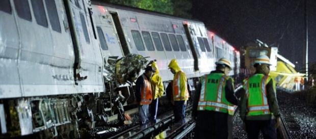 Deraglia treno di pendolari a New York, decine di feriti