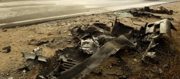 Destroços dos automóveis revelam a violência em que ocorreu o acidente