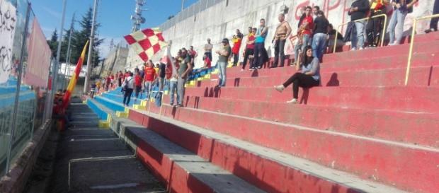 I tifosi salentini a Vibo Valentia.