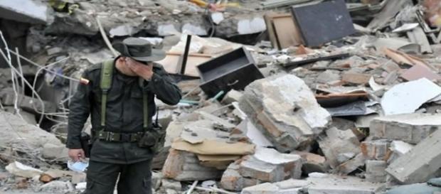Soldado Colombiano en el lugar de una Masacre