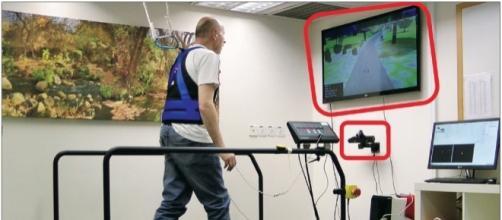 Il sistema che combina realtà virtuale e treadmill per prevedire le cadute