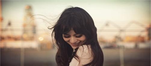 Quem é solteiro tem amizades mais fortes, cuida da saúde e dorme melhor