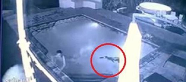 Cenas foram registradas pelas câmeras de um hotel