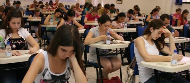 Estudantes devem conferir lista atualizada de locais que não terão a prova.