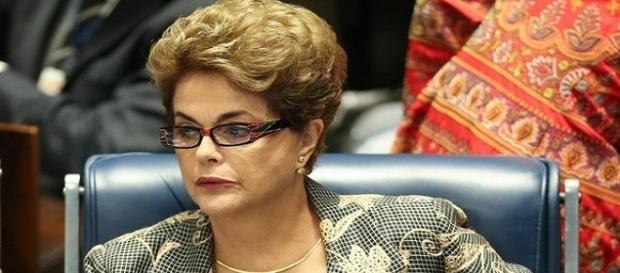 Ex-presidente Dilma Rousseff se prepara para assumir em dezembro o seu cargo.
