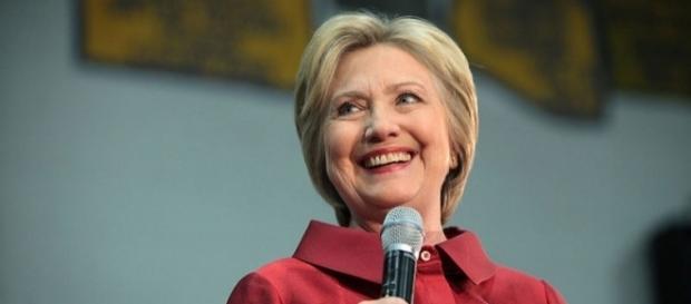 Hillary speaks to a young audience (Hillary Clinton Carl Hayden High School in Phoenix, Arizona)