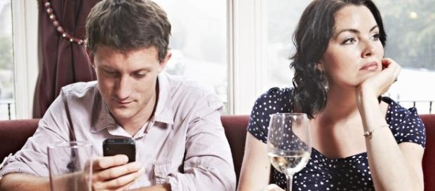 Is Social Media Damaging Our Ability to Interact Face-to-Face? - m2now.co.nz