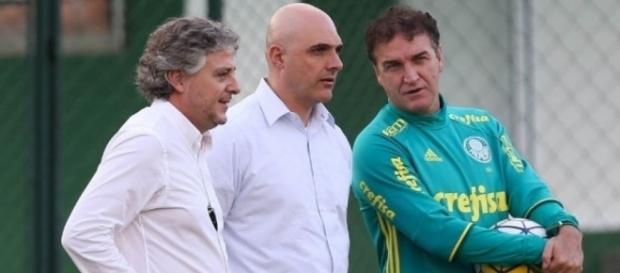 Paulo Nobre, Maurício Galiotte e Cuca (Foto: Cesar Greco/Ag. Palmeiras/Dilvulgação)